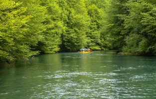 Mrežnica rafting izlet-Mreznica-rafting-Croatia-Raftrek-Adventure-travel-n (1 of 1)