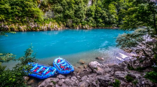 Tara rafting | Raftrek travel
