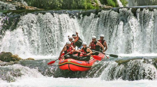 Una rafting | Raftrek travel