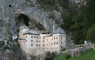Four Countries Multisport | Postojna-Predjama-Castle | Raftrek travel