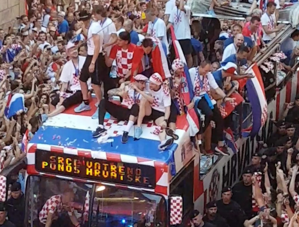 Raftrek blog - The open bus with the golden boys - the heart of Croatia